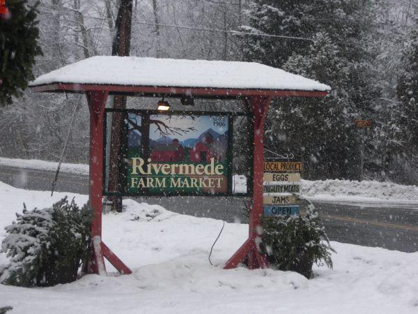 Rivermede Market