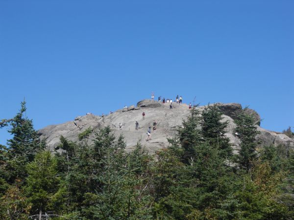 Crowds on Cascade Summit, from the trail